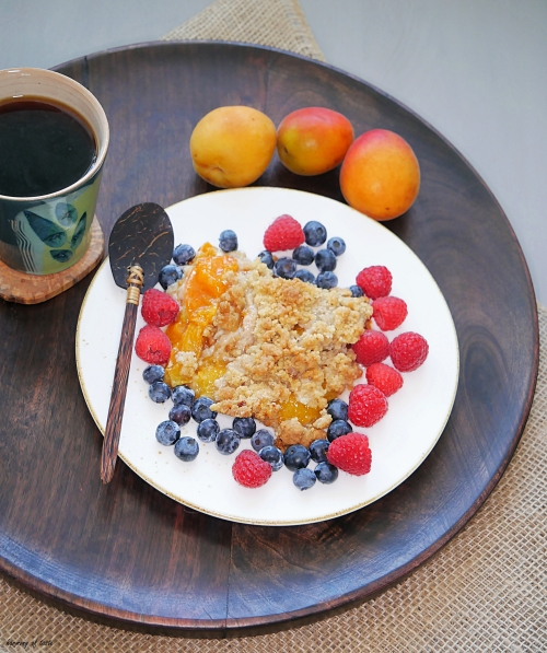 summer crumble with coffee